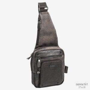 Mochila cruzada unisex con bolsillos de polipiel marrón