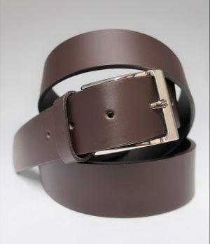 Cinturón liso con hebilla rectangular de piel marrón