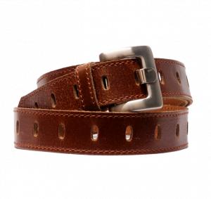 Cinturón de piel con agujeros centrales y hebilla rectangular cuero