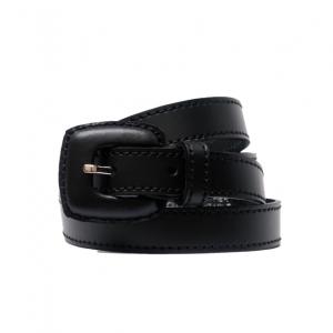 Cinturón de piel estrecho con doble pespunte y hebilla forrada en piel negro