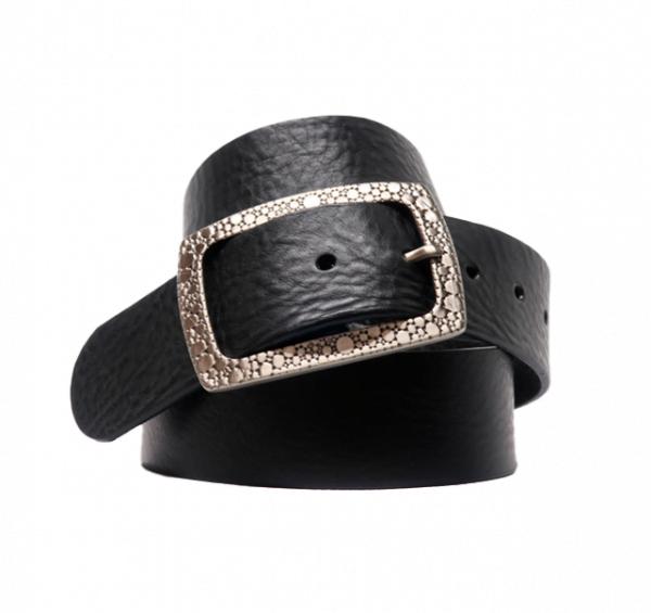 Cinturón sport de piel con hebilla rectangular grabada negro