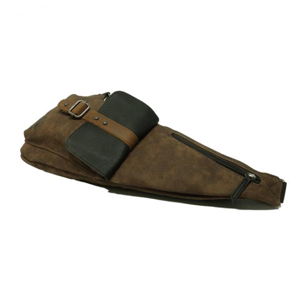 Mochila cruzada bolsillo solapa sintético y piel Stamp marrón